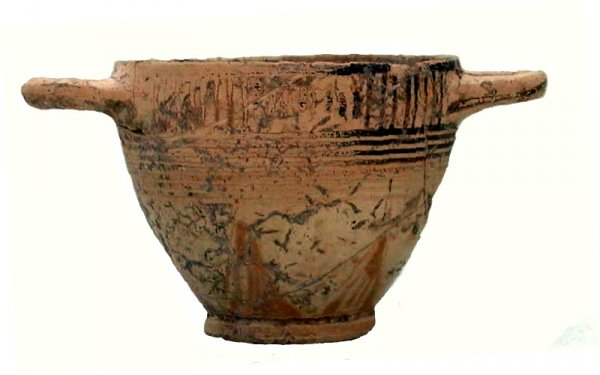 Miniature kotyle (cup) with sub-geometric decoration, height 5cm, Timpone della Motta, late Proto-Corinthian, 650/40BC, National Archaeological Museum, Sibari.