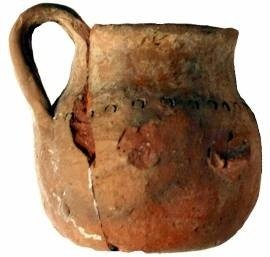 Hand-made miniature hydria (hydriska), with a decorative row of punch marks on the shoulder. Scavi Kleibrink 1991-2004, Timpone della Motta, late 8th-early 7th c. BC, National Archaeological Museum, Sibari.